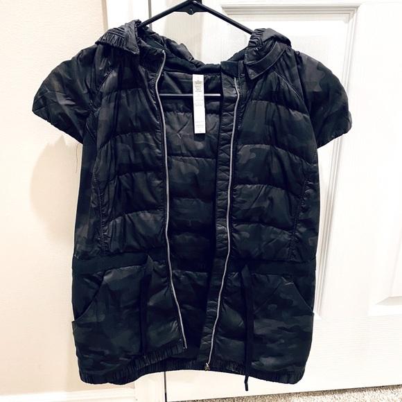 Lululemon Short Sleeve Hooded Vest